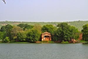 The old hunting lodge at Rajbaug Lake.